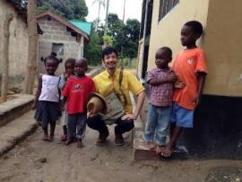 アフリカで、子どもたちと