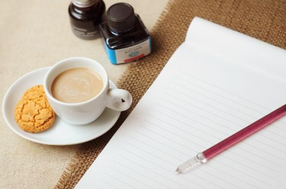 最近、手紙を書いたのはいつだろう(photo by acworks/photoAC)
