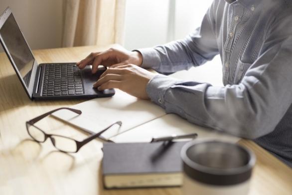 文章を書くことは好きですか? それとも苦手ですか? photo by 栄美 山本/fotolia