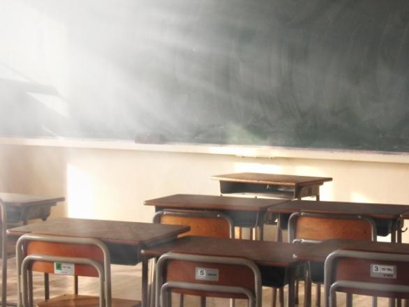 中学生になって、数学でつまづく子が多い(photo by かっちゃん/photoAC)